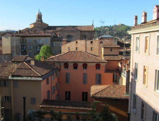 Découvrez Bologne , l'une des plus grandes villes universitaires du monde