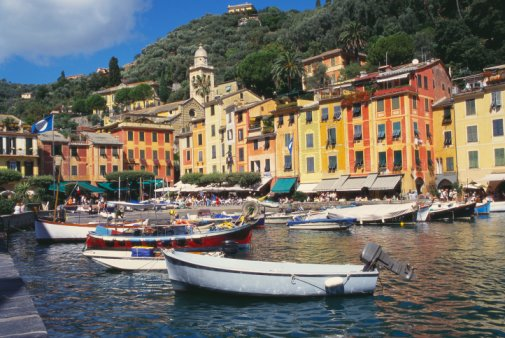 Découvrez Gênes (Genova), une ville portuaire historique dans le nord de l'Italie