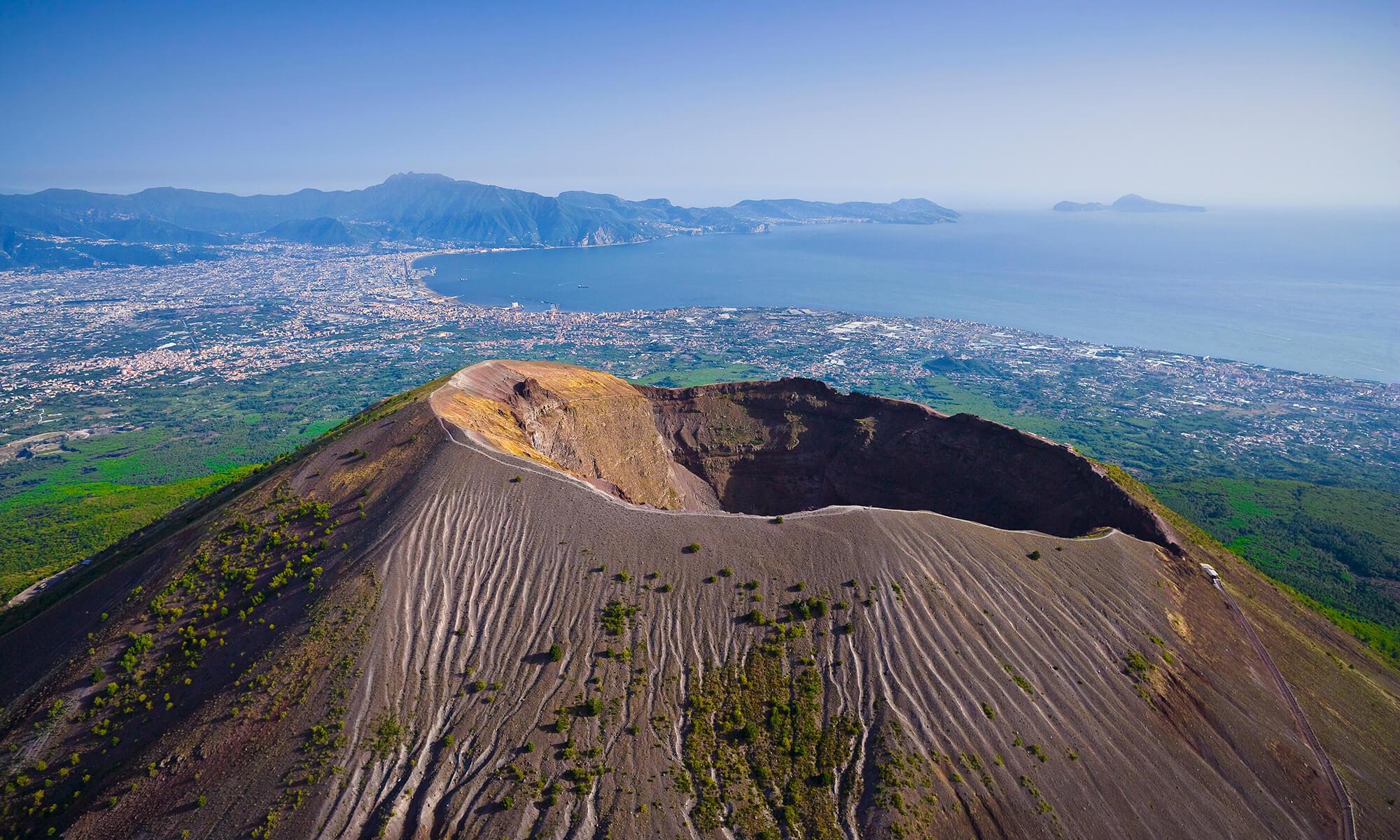 Le Vésuve, célèbre volcan endormi avec une vue imprenable sur la baie de Naples